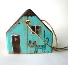 Türkiz ház- 18 körmös macska, FANYUVASZTO, meska.hu