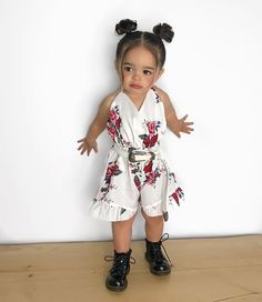 Image may contain: 1 person, standing and shoes Cute Little Girls Outfits, Kids Outfits Girls, Toddler Girl Outfits, Cute Kids Fashion, Little Girl Fashion, Toddler Fashion, Outfits Niños, Baby Outfits, Toddler Girl Style
