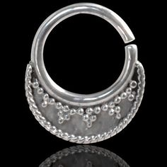 Septum Piercing Orientale da Setto Nasale in Argento Septum Ring Indian Ornamental Silver 7 Micromutazioni http://www.amazon.it/dp/B00UGJIUZW/ref=cm_sw_r_pi_dp_K0-evb179WTTJ
