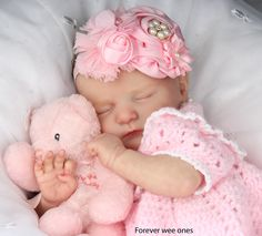 Sweet pink fascinator for this little one. Cute Little Baby, Little Babies, Cute Babies, Cute Baby Pictures, Baby Photos, Life Like Babies, Baby Doll Nursery, Realistic Baby Dolls, Lifelike Dolls