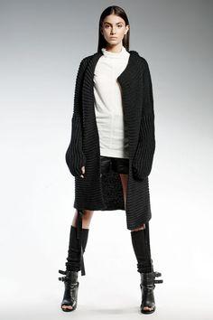 ropa de moda de la marca Pendari chaqueta larga de punto