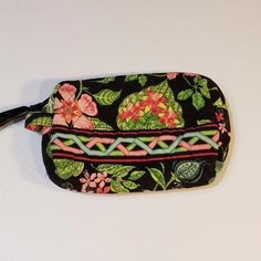 Vera Bradley Botanica Retired Print Small Cosmetic Makeup Bag Black Green  Floral Inside lined in plastic Zipper See measurements on pics 3dd0a9d534f08