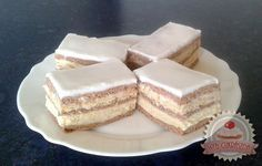 Hólabdapudingos mézes krémes Hungarian Cake, Hungarian Recipes, Eastern European Recipes, European Cuisine, Sweet And Salty, Plated Desserts, Sweet Recipes, Delish, Cheesecake