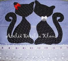 32 Ideas Patchwork Molde Cachorro For 2019 Crazy Patchwork, Patchwork Bags, Applique Patterns, Applique Designs, Hand Embroidery, Machine Embroidery, Diy And Crafts, Arts And Crafts, Animal Quilts