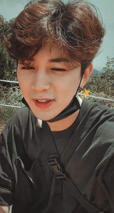 Kim Jinhwan, Hanbin, Ikon Songs, Cute Asian Guys, Poses, Seokjin, Kpop, Selfie, Princesses