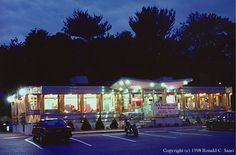 CONNECTICUT DINER DIRECTORY - Parkway Diner - Stamford, CT