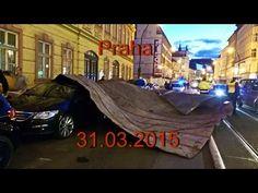 Новости  31 03 2015  Ураган обрушил крышу дома на центральную улицу Праги