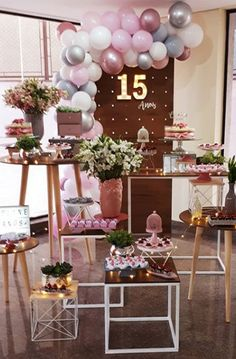 How to make a mini decoration for your 15 years? # 15 year party How to make a mini decoration for your 15 years? Balloon Decorations, Birthday Decorations, Table Decorations, Decoration Party, Birthday Goals, 14th Birthday, Sweet 16 Themes, Quinceanera Party, Sweet 16 Parties