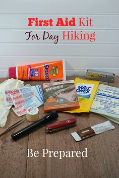 First Aid Kit For Day Hiking | Food Storage Moms | #prepbloggers #hiking #firstaid