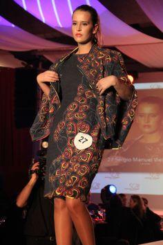 Prémio Revelação, do 10ª concurso internacional de Criadores de Moda, premiado na gala Namorar Portugal 2013.