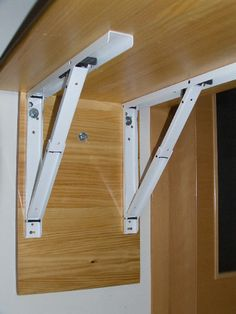 Mesa plegable auxiliar para la cocina