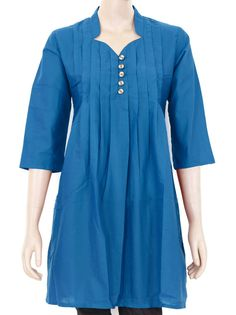 Beautiful Indian Cotton kurta with pleats work and wood buttons. Buy it now in Etsy.com. Can be customized according to your measurements.