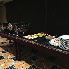 Breakfast warming up at MBC.  #behindthescenes #mbcaustin #breakfast #networking @ujimamagazine @mbcaustin @meintheatx @angel_lifemusicatx