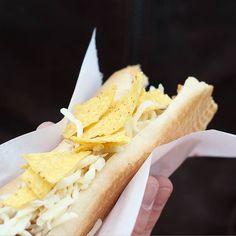 Für die Herren hab es dann auch den lang ersehnten Hot Dog während ich mich durch jamaicanische Gerichte durchprobiert habe   #alittlefashion #lifestyle #blogazine #foodblogger_de #foodgram #foodaddict #hotdog #streetfood #streetfoodday #koblenz #yum #yummylicious #delicious #foodporn #blogger_de #blogger_at #community #onlinemagazine #alfontour #f52grams #foodcontest #food52grams
