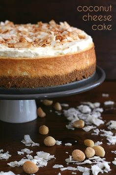 Aloha, my friends! This rich keto coconut cheesecake recipe is deliciously creamy, with the tropical flavors of coconut and macadamia nuts. A perfect sugar-free dessert! #lowcarb #keto #cheesecake #dessert #coconutrecipes #ketodessert Coconut Cheesecake, Low Carb Cheesecake, Cheesecake Recipes, Dessert Recipes, Dinner Recipes, Kraft Recipes, Cheesecake Bars, Breakfast Recipes, Sugar Free Desserts