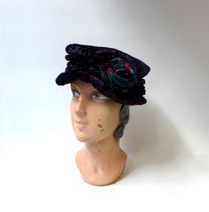 Vintage purple crushed velvet cloche hat with velvet by evaelena