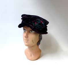 Vintage purple crushed velvet cloche hat with velvet by evaelena
