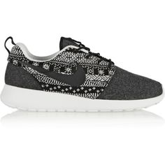 Nike Roshe One Winter wool and wool-felt sneakers ($115) ❤ liked on Polyvore featuring shoes, sneakers, nike, sapatos, basket, grey, nike trainers, long shoes, grip trainer and grey sneakers
