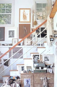 How to organize a workplace artist at home
