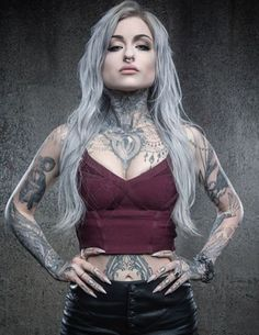 Tattoo artist Ryan Ashley Malarkey is the first woman to claim Ink Master title - News - Alternative Press Hot Tattoo Girls, Tattoed Girls, Inked Girls, Girl Tattoos, Ink Master Tattoos, Ryan Ashley Ink Master, Ryan Ashley Tattoo, Ryan Ashley Malarkey, Dark Beauty