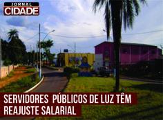 Atendendo a um dos projetos de campanha, a Administração Municipal promove neste mês de fevereiro o reajuste salarial dos servidores municipais. Leia mais: http://www.jornalcidademg.com.br/servidores-publicos-de-luz-tem-reajuste-salarial/