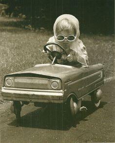 Photo Voiture à pédales pedal car in Jeux, jouets, figurines, Véhicules miniatures | eBay