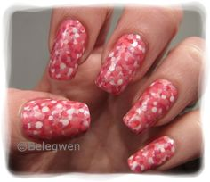 Nail Art by Belegwen: Pinkkejä palleroita..