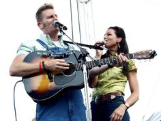 Joey + Rory keep their fans rocking from the Riverfront