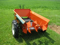 Sustainable Agriculture | compact manure spreader | for the small equestrian ranch and hobby farm