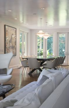 clean, airy room with blue couch Condo Living, Living Room Modern, Home Living Room, Apartment Living, Living Room Decor, Living Spaces, Dining Room, Dining Set, Dining Chairs