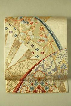 Mild Gold Fukuro Obi (Rokutsu), Genshi Car Pattern / 淡金地 源氏車柄 六通袋帯 #Kimono #Japan http://www.rakuten.co.jp/aiyama