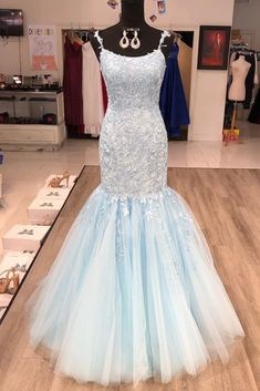 gorgeous 2020 mermaid light lace long prom dress with lace appliqued bodice and tulle skirt. Lilac Prom Dresses, Mermaid Prom Dresses, Prom Party Dresses, Modest Dresses, Girls Dresses, Lace Evening Gowns, Yellow Lace, Formal Gowns, Dress Formal