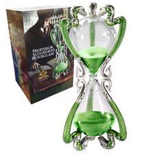 Réplica reloj de arena del profesor Horace Slughorn 25 cm. Harry Potter Para los fans de la saga Harry Potter esta réplica del reloj del profesor Horace Slughorn de 25 cm les encantará con toda seguridad. Es un producto 100% oficial y licenciado por la compañía Noble Collection y fabricado con materiales de alta calidad.