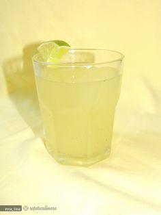 Reteta Limonada cu Lime si Menta din Carte de bucate, Bauturi. Specific Romania. Cum sa faci Limonada cu Lime si Menta Limes, Glass Of Milk, Pudding, Drinks, Cooking, Natural, Desserts, Food, Food And Drinks