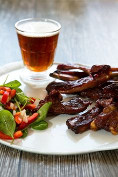 Pusťte se do nich hned, jsou dokonalá! Modern Food, Ribs On Grill, Grilling, Vegetarian, Beef, Baking, Recipes, Ribs On The Grill, Meat