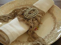 lovely place setting...love the vintage lace and bling