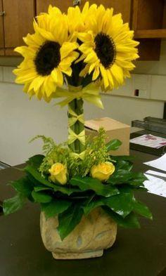 images of sunflower arrangements - Bing Images Sunflower Arrangements, Church Flower Arrangements, Church Flowers, Silk Flowers, Beautiful Flowers, Silk Arrangements, Ikebana, Deco Floral, Arte Floral