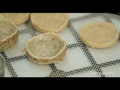 Easy Raw Food Recipe: CASHEW CRUMBLE