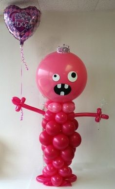 I wish I would have thought of this for the kids' monster party last year! Monster Party, Monster Birthday Parties, Monster Mash, Monster Balloons, Big Balloons, Birthday Balloons, Monster Decorations, Balloon Decorations Party, Halloween Birthday