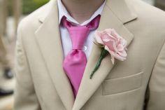 Οι ροζ λεπτομέρειες που δε θα τρόμαζαν κανένα γαμπρό! www.lovetale.gr
