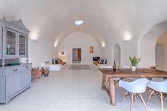 private villa, santorini, old canava, tradition, renovation, living room