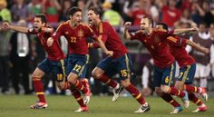 Spain's players celebrate after winning the penalty shootout during the Euro 2012 soccer championship semifinal match between Spain and Portugal in Donetsk, Ukraine. (AP)