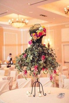 Gadgets, Techno, Cellphone, Computer: 10 Original things to decorate your table this season Deco Floral, Floral Design, Wedding Centerpieces, Wedding Decorations, Centerpiece Ideas, Tree Decorations, Table Centerpieces, Yellow Centerpieces, Table Wedding