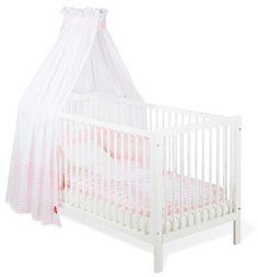 Schlichtes, zeitloses weißes Kinderbett, das sich umbauen lässt.