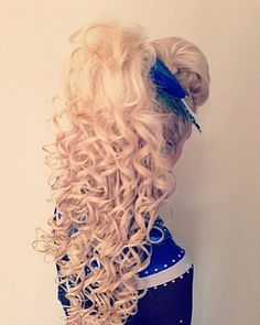 I love the curls - Modern Work Hairstyles, Curled Hairstyles, Cheer Hairstyles, Cheerleader Hairstyles, Long Curly Hair, Big Hair, Cheer Makeup, Competition Hair, Great Hair