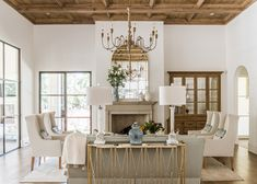 mediterranean style living room decor, modern cottage living room decor, country style living room d Country Style Living Room, Modern Farmhouse Living Room Decor, Cottage Living Rooms, My Living Room, Country Decor, Modern Cottage, Farmhouse Decor, Small Living, Farmhouse Interior