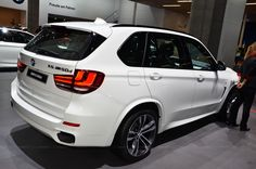 BMW X5 M50d Looks terrific in white, the world's best SUV.