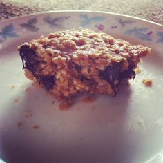 Vegan chocolate chip peanut butter oatmeal breakfast bars