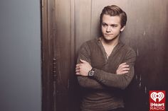 Oh. My. Hayes. These pics will be the death of me!!