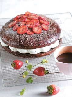 vrasto-cake-me-krema-&-fraoules